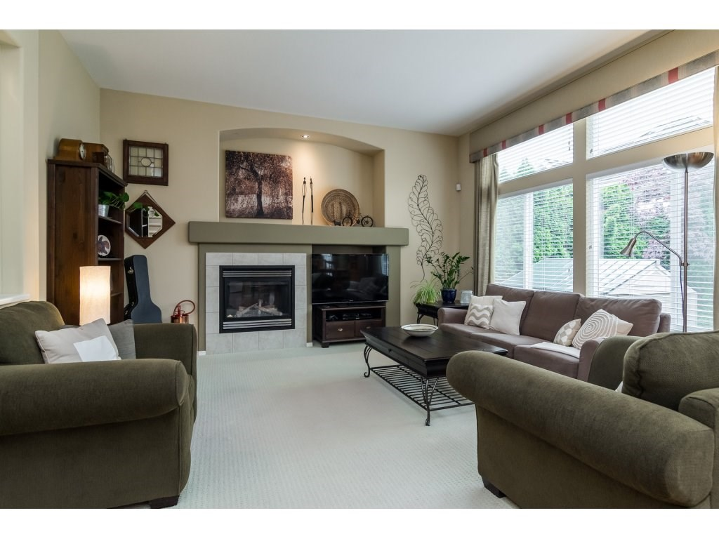 Detached at 3419 ROSEMARY HEIGHTS CRESCENT, South Surrey White Rock, British Columbia. Image 4