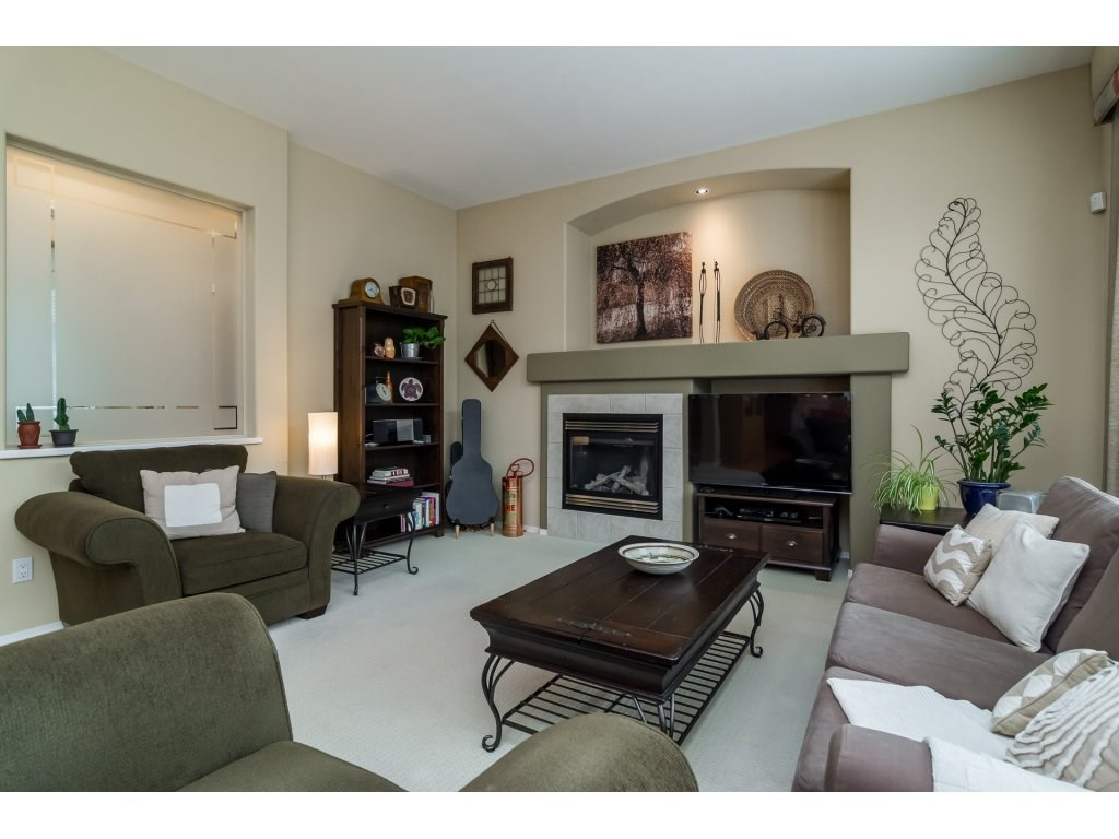 Detached at 3419 ROSEMARY HEIGHTS CRESCENT, South Surrey White Rock, British Columbia. Image 5