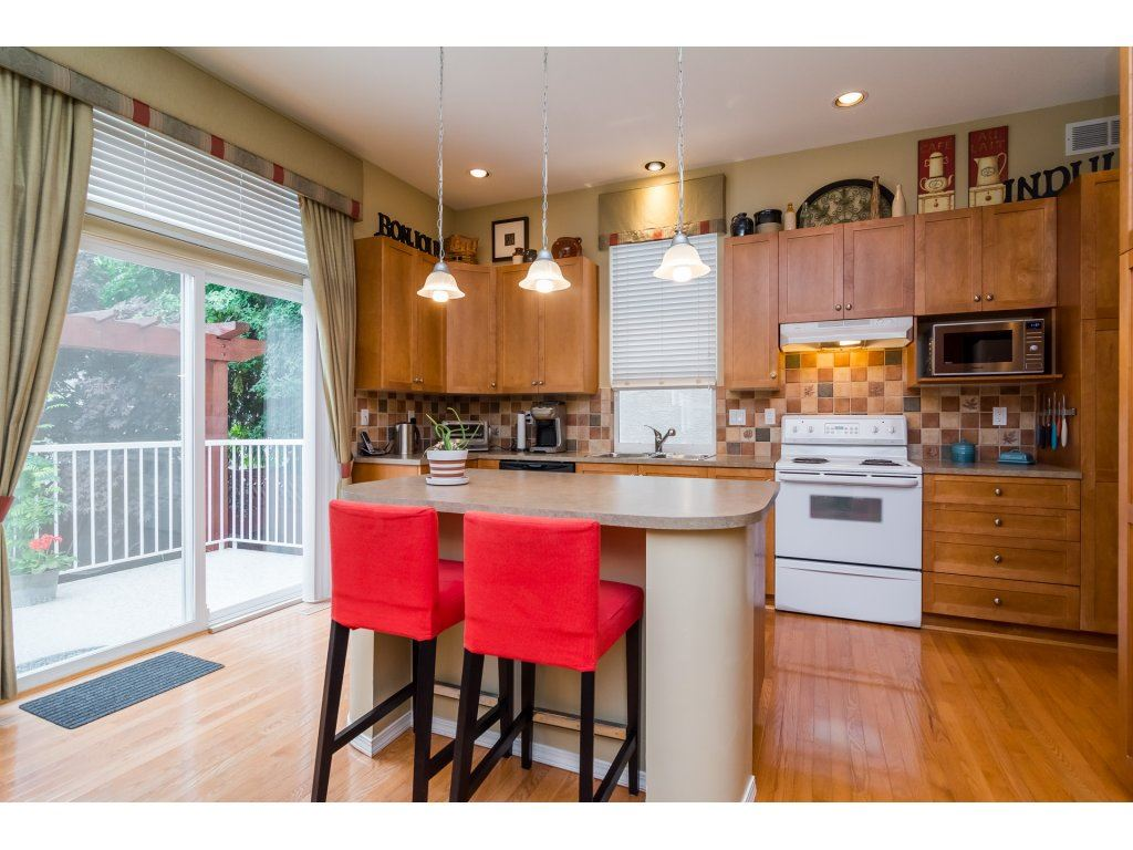 Detached at 3419 ROSEMARY HEIGHTS CRESCENT, South Surrey White Rock, British Columbia. Image 8