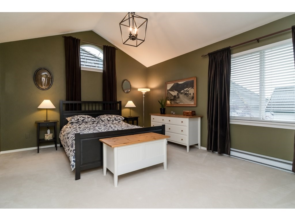 Detached at 3419 ROSEMARY HEIGHTS CRESCENT, South Surrey White Rock, British Columbia. Image 11