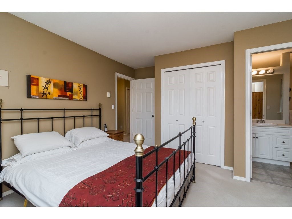 Detached at 3419 ROSEMARY HEIGHTS CRESCENT, South Surrey White Rock, British Columbia. Image 13