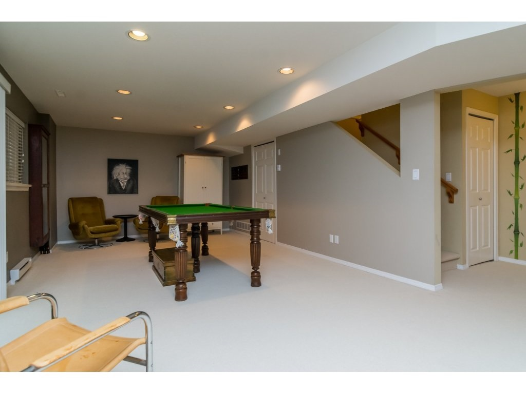 Detached at 3419 ROSEMARY HEIGHTS CRESCENT, South Surrey White Rock, British Columbia. Image 16
