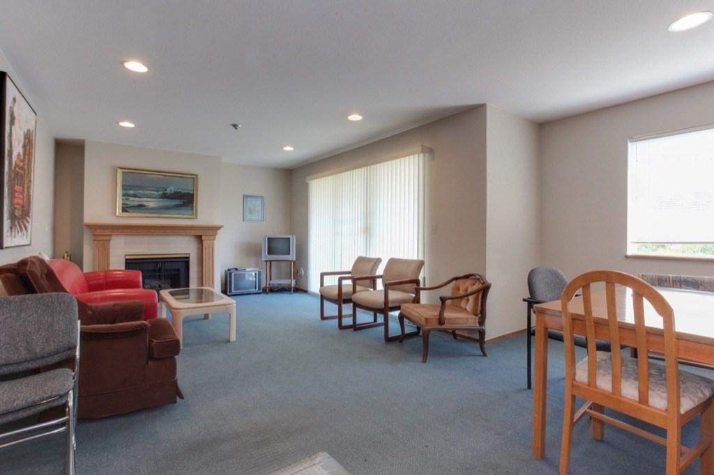 Condo Apartment at 205 1441 BLACKWOOD STREET, Unit 205, South Surrey White Rock, British Columbia. Image 20