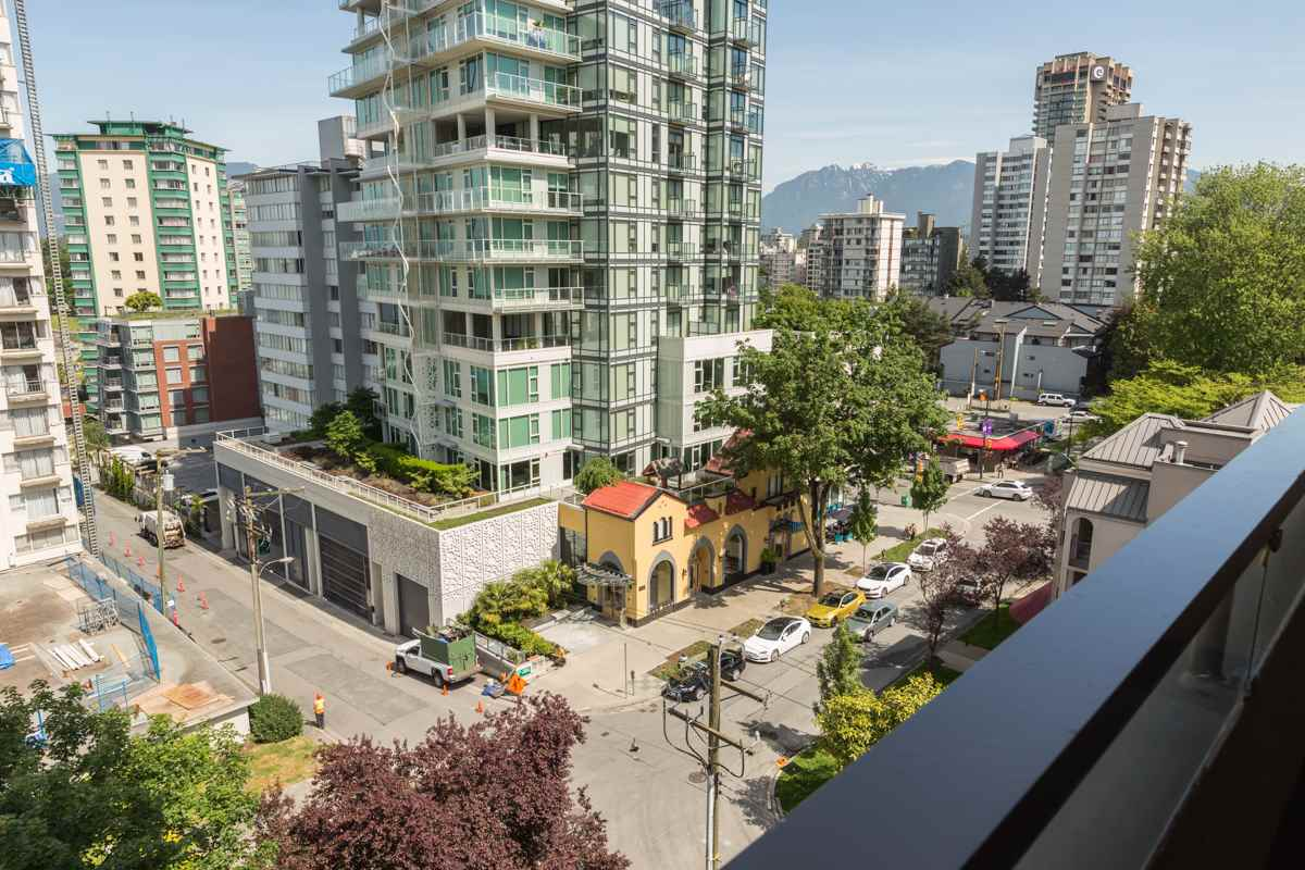 Condo Apartment at 801 1236 BIDWELL STREET, Unit 801, Vancouver West, British Columbia. Image 14