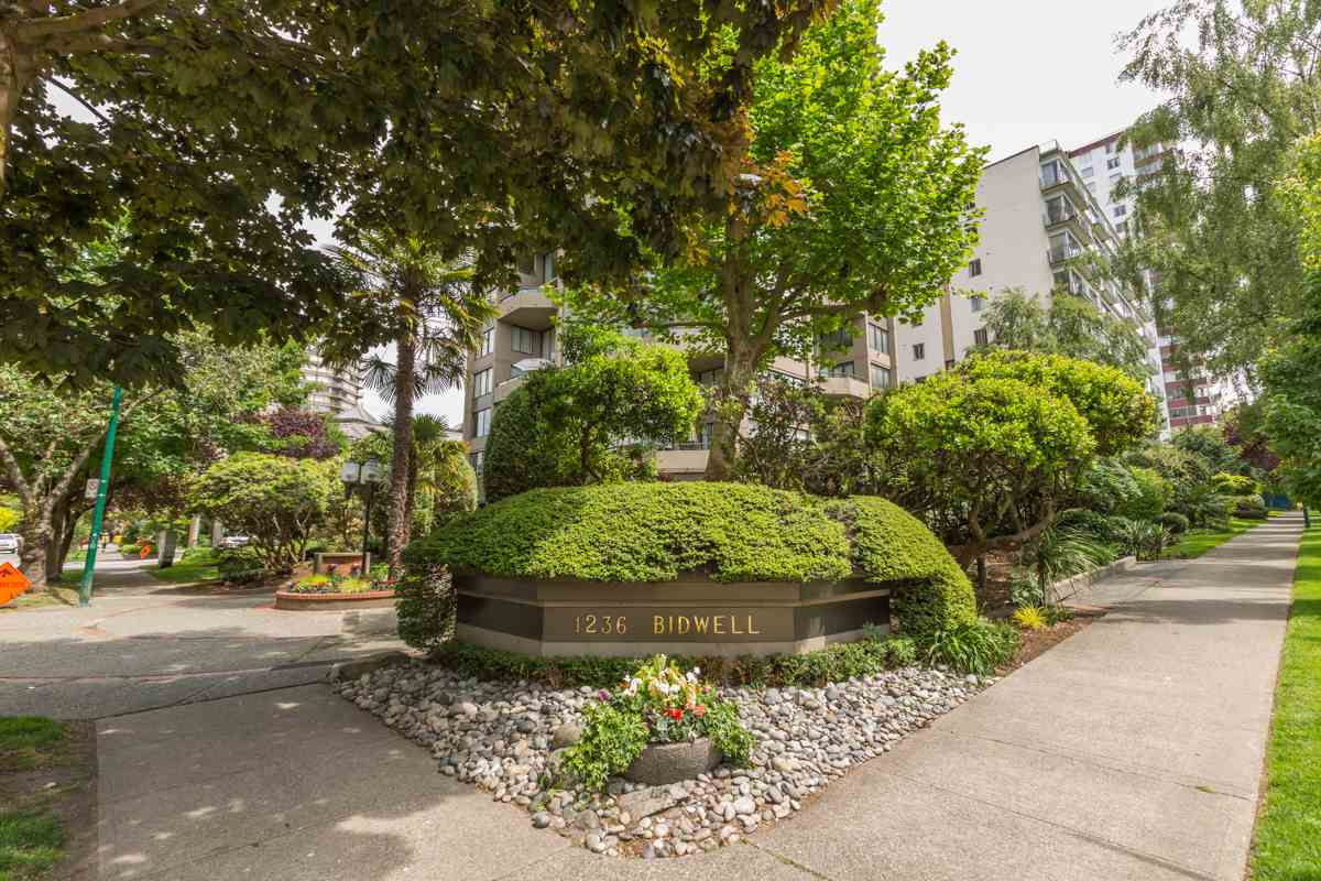Condo Apartment at 801 1236 BIDWELL STREET, Unit 801, Vancouver West, British Columbia. Image 17