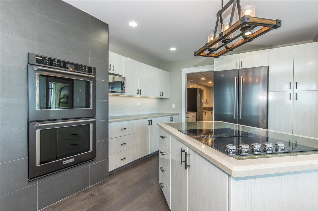 Condo Apartment at 1703 33065 MILL LAKE ROAD, Unit 1703, Abbotsford, British Columbia. Image 6