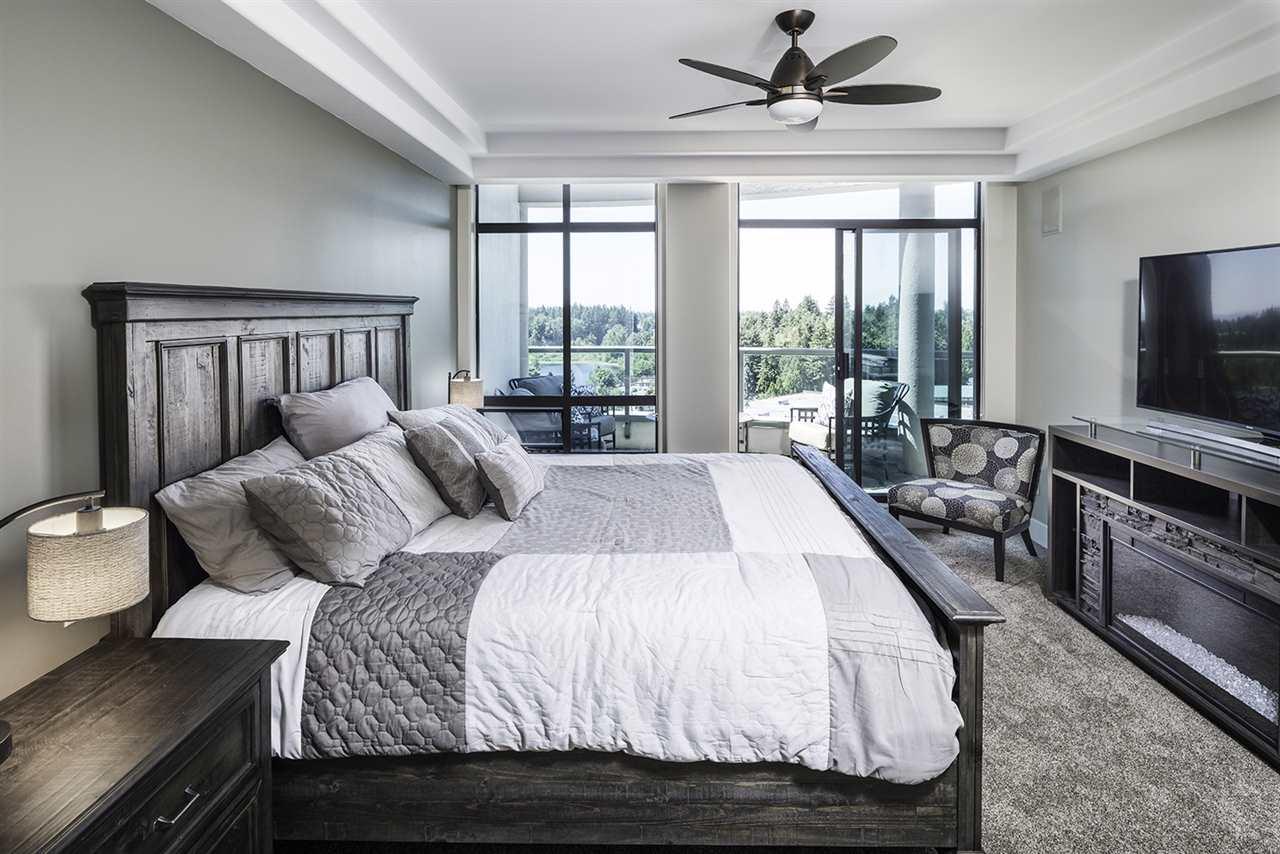 Condo Apartment at 1703 33065 MILL LAKE ROAD, Unit 1703, Abbotsford, British Columbia. Image 8
