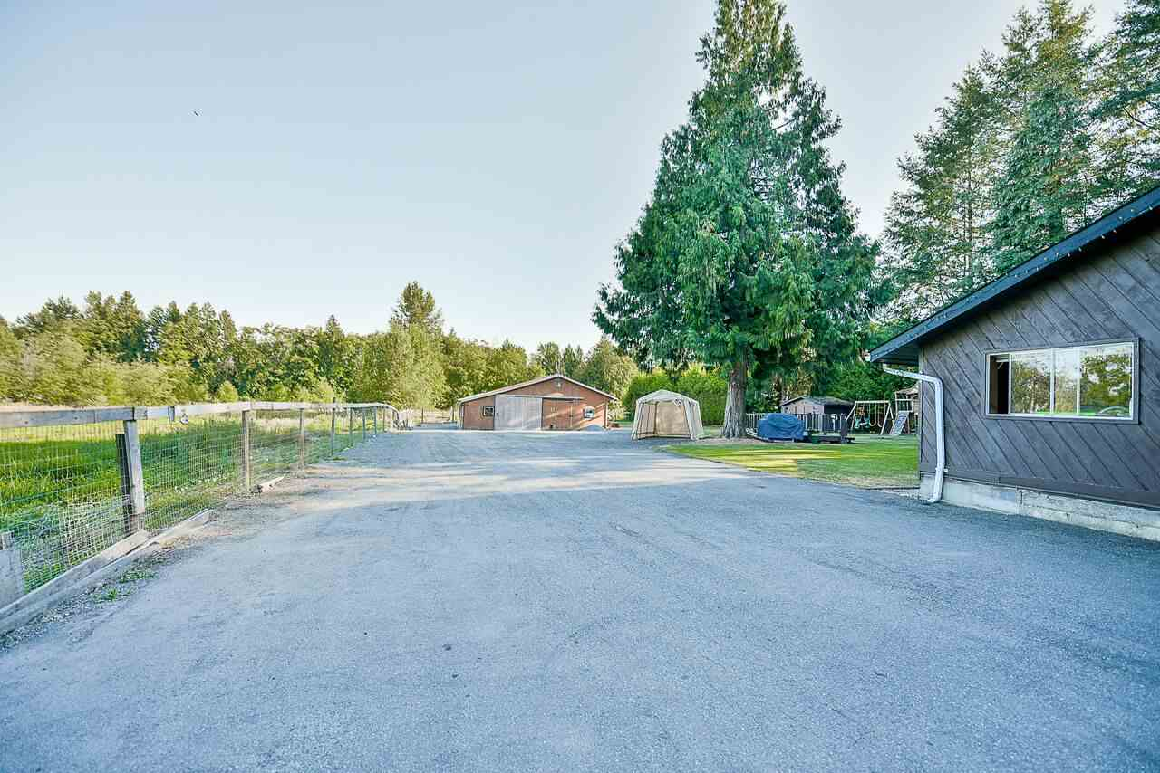 Detached at 26204 60 AVENUE, Langley, British Columbia. Image 2