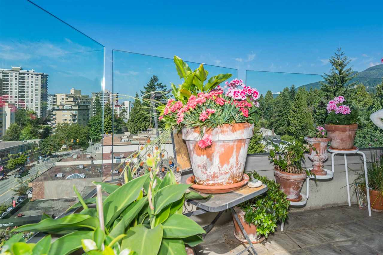 Condo Apartment at 1001 570 18TH STREET, Unit 1001, West Vancouver, British Columbia. Image 18