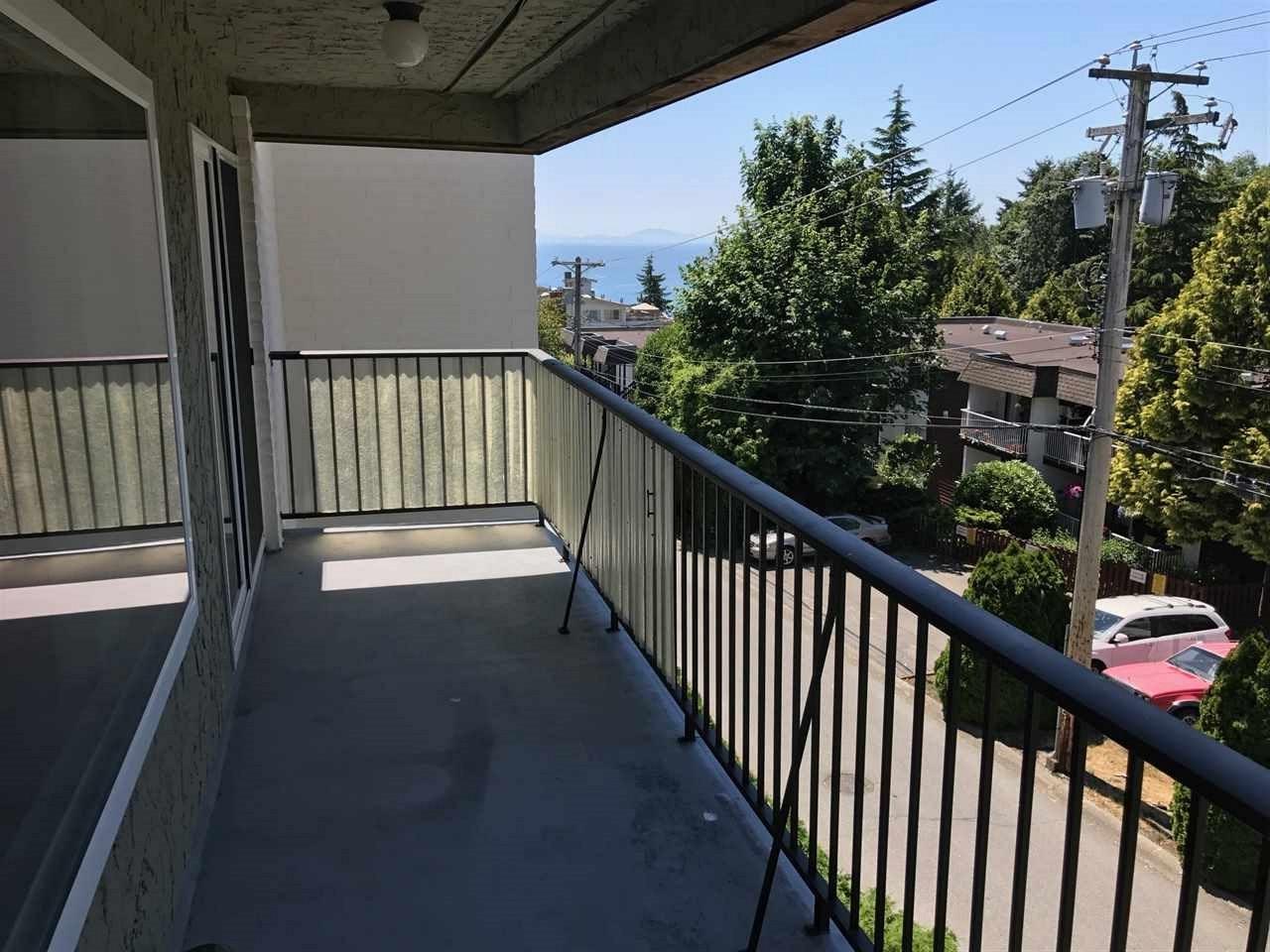Condo Apartment at 303 1351 MARTIN STREET, Unit 303, South Surrey White Rock, British Columbia. Image 2