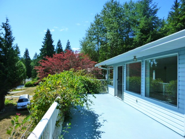 Detached at 6016 PARKVIEW PLACE, Sunshine Coast, British Columbia. Image 2
