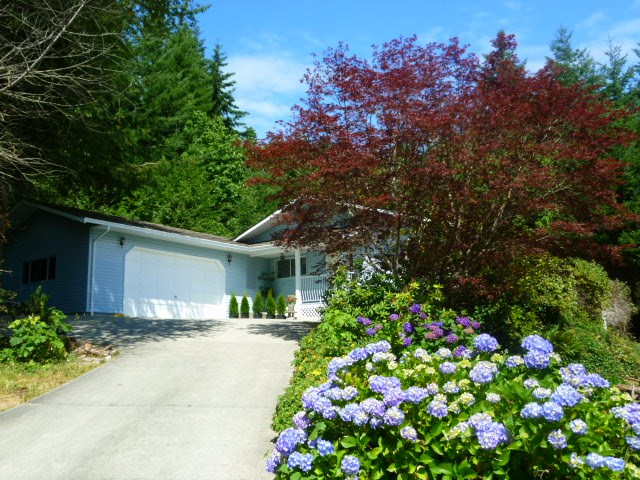 Detached at 6016 PARKVIEW PLACE, Sunshine Coast, British Columbia. Image 9