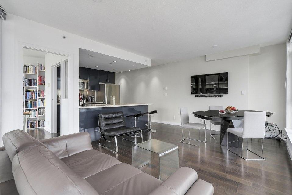 Condo Apartment at 2204 1188 W PENDER STREET, Unit 2204, Vancouver West, British Columbia. Image 5