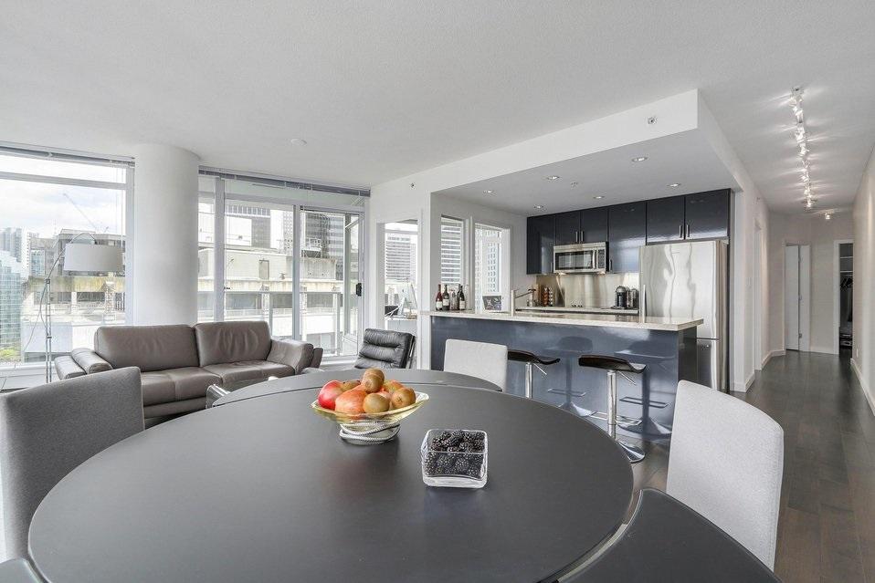 Condo Apartment at 2204 1188 W PENDER STREET, Unit 2204, Vancouver West, British Columbia. Image 7