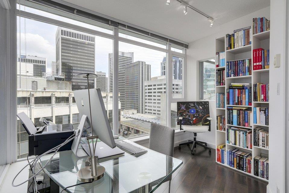Condo Apartment at 2204 1188 W PENDER STREET, Unit 2204, Vancouver West, British Columbia. Image 11