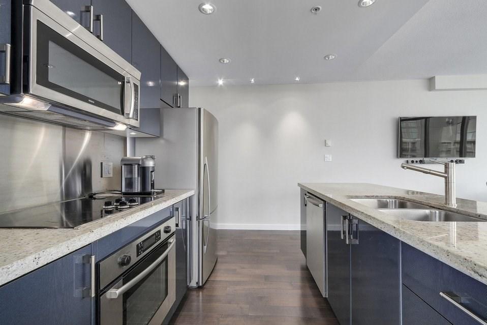 Condo Apartment at 2204 1188 W PENDER STREET, Unit 2204, Vancouver West, British Columbia. Image 12