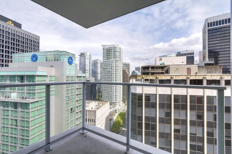Condo Apartment at 2204 1188 W PENDER STREET, Unit 2204, Vancouver West, British Columbia. Image 13