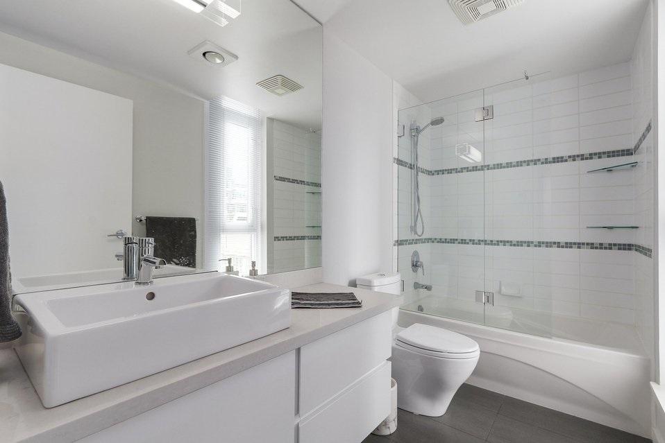 Condo Apartment at 2204 1188 W PENDER STREET, Unit 2204, Vancouver West, British Columbia. Image 16