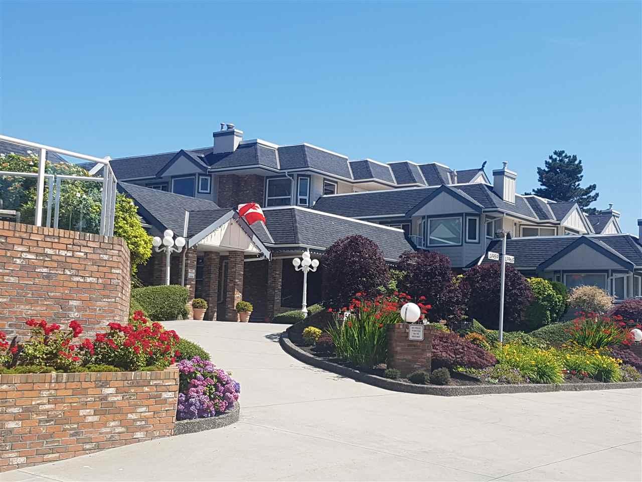 Condo Apartment at 203 13959 16 AVENUE, Unit 203, South Surrey White Rock, British Columbia. Image 1