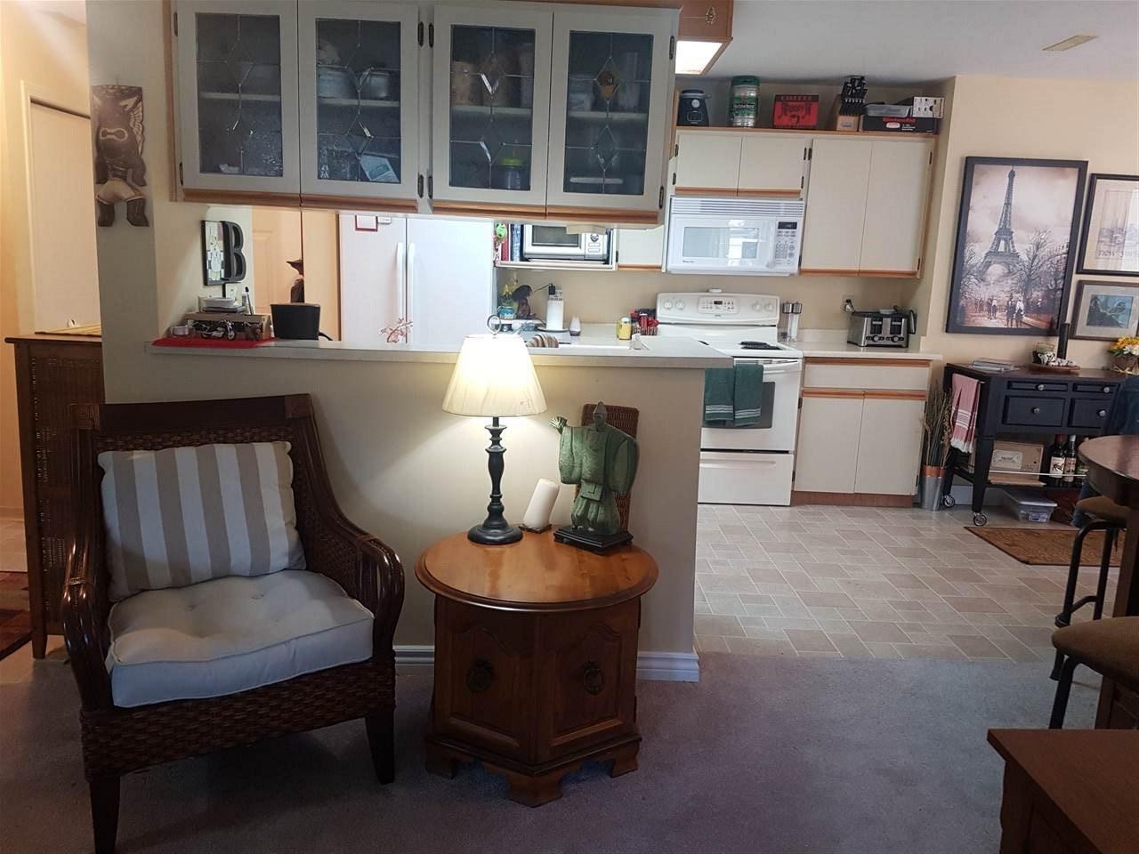 Condo Apartment at 203 13959 16 AVENUE, Unit 203, South Surrey White Rock, British Columbia. Image 3