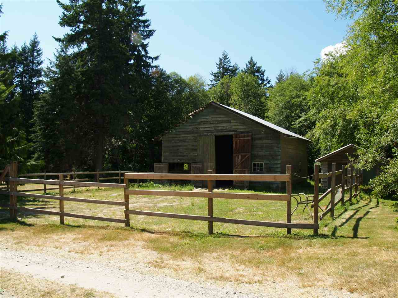 Detached at 1289 LOCKYER ROAD, Sunshine Coast, British Columbia. Image 10
