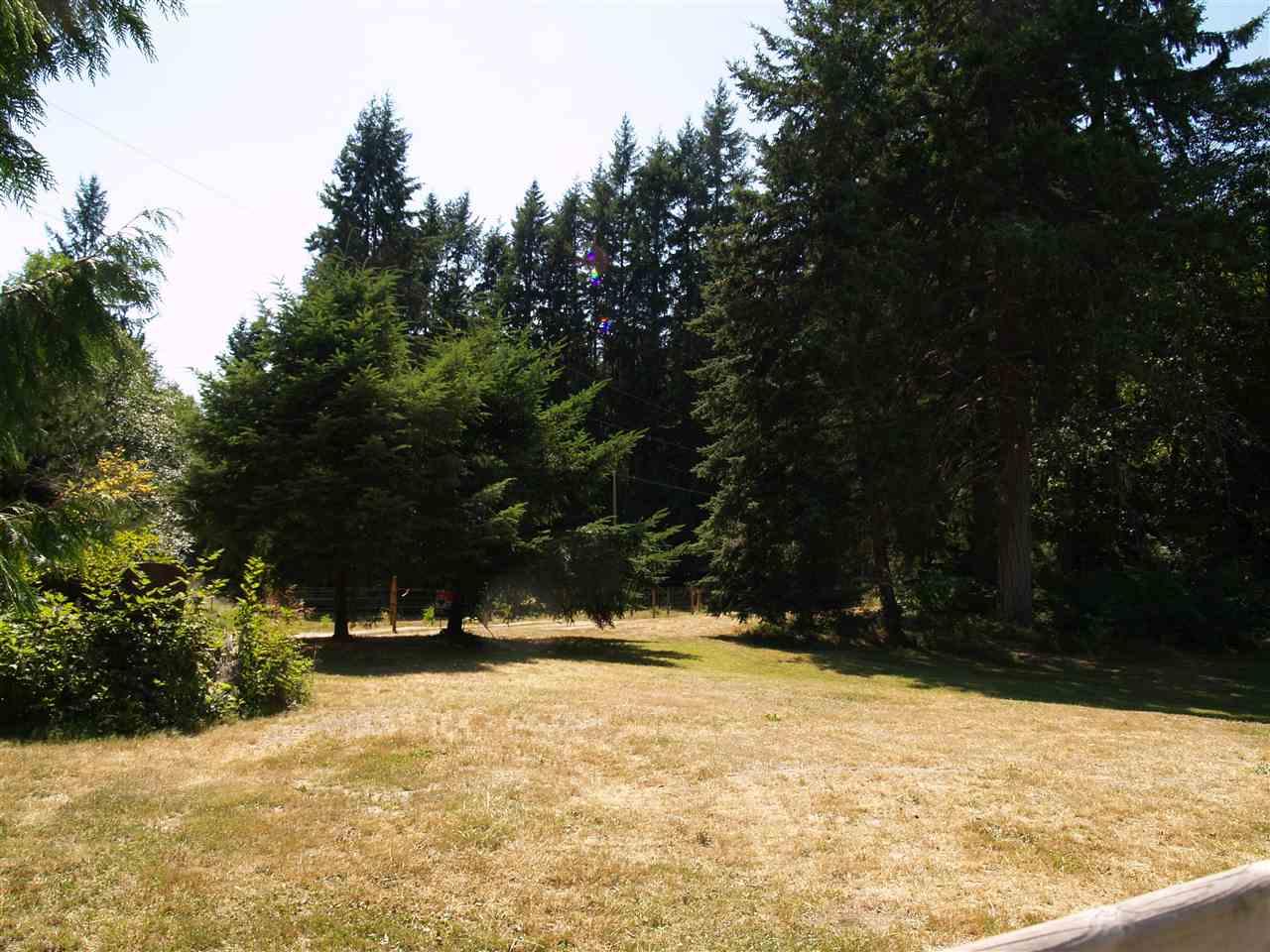 Detached at 1289 LOCKYER ROAD, Sunshine Coast, British Columbia. Image 18