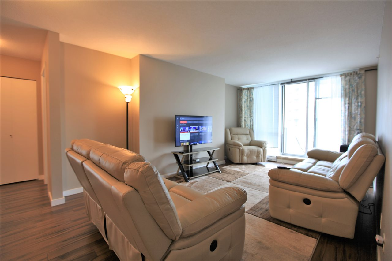 Condo Apartment at 3102 13688 100 AVENUE, Unit 3102, North Surrey, British Columbia. Image 3
