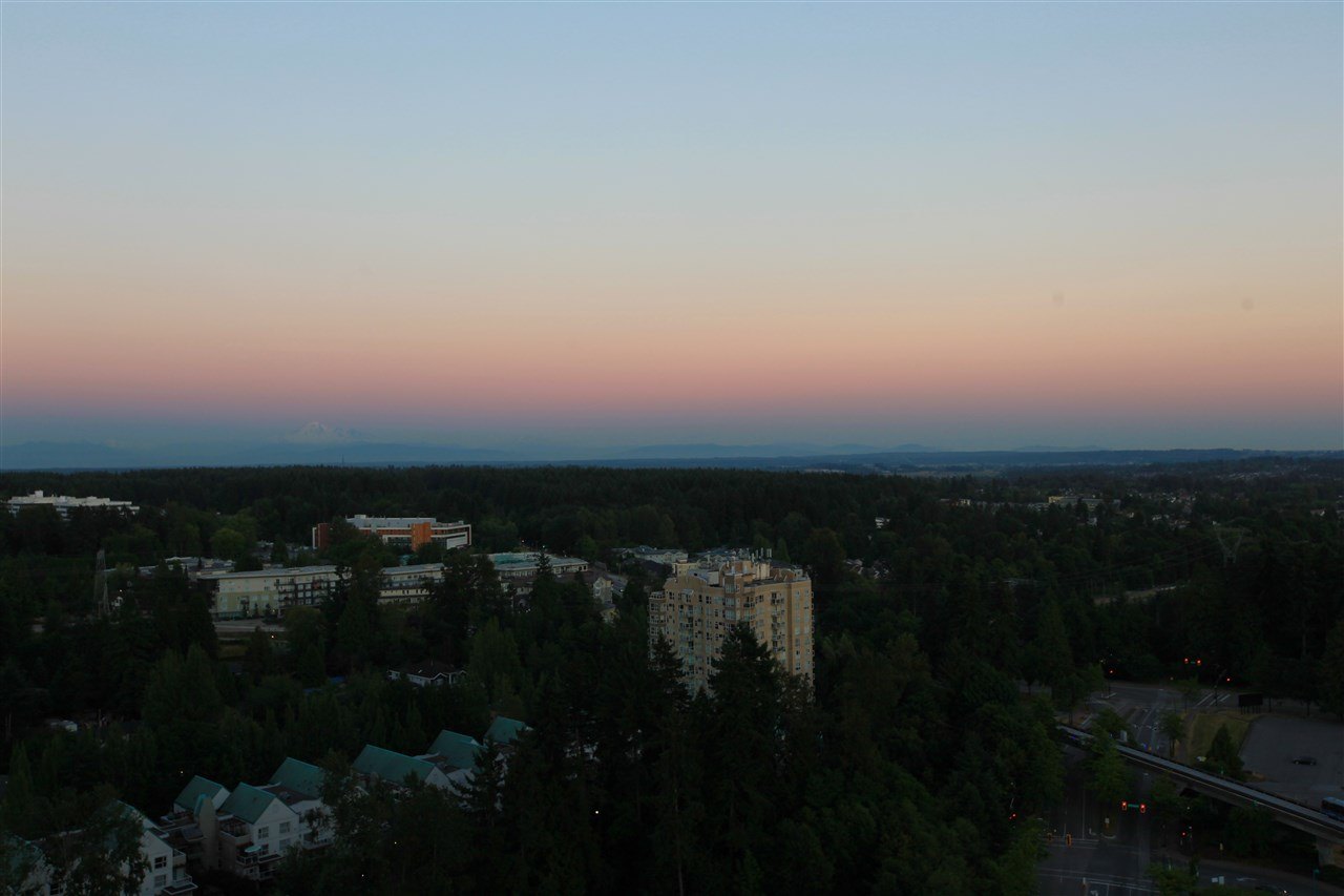 Condo Apartment at 2609 13688 100 AVENUE, Unit 2609, North Surrey, British Columbia. Image 9