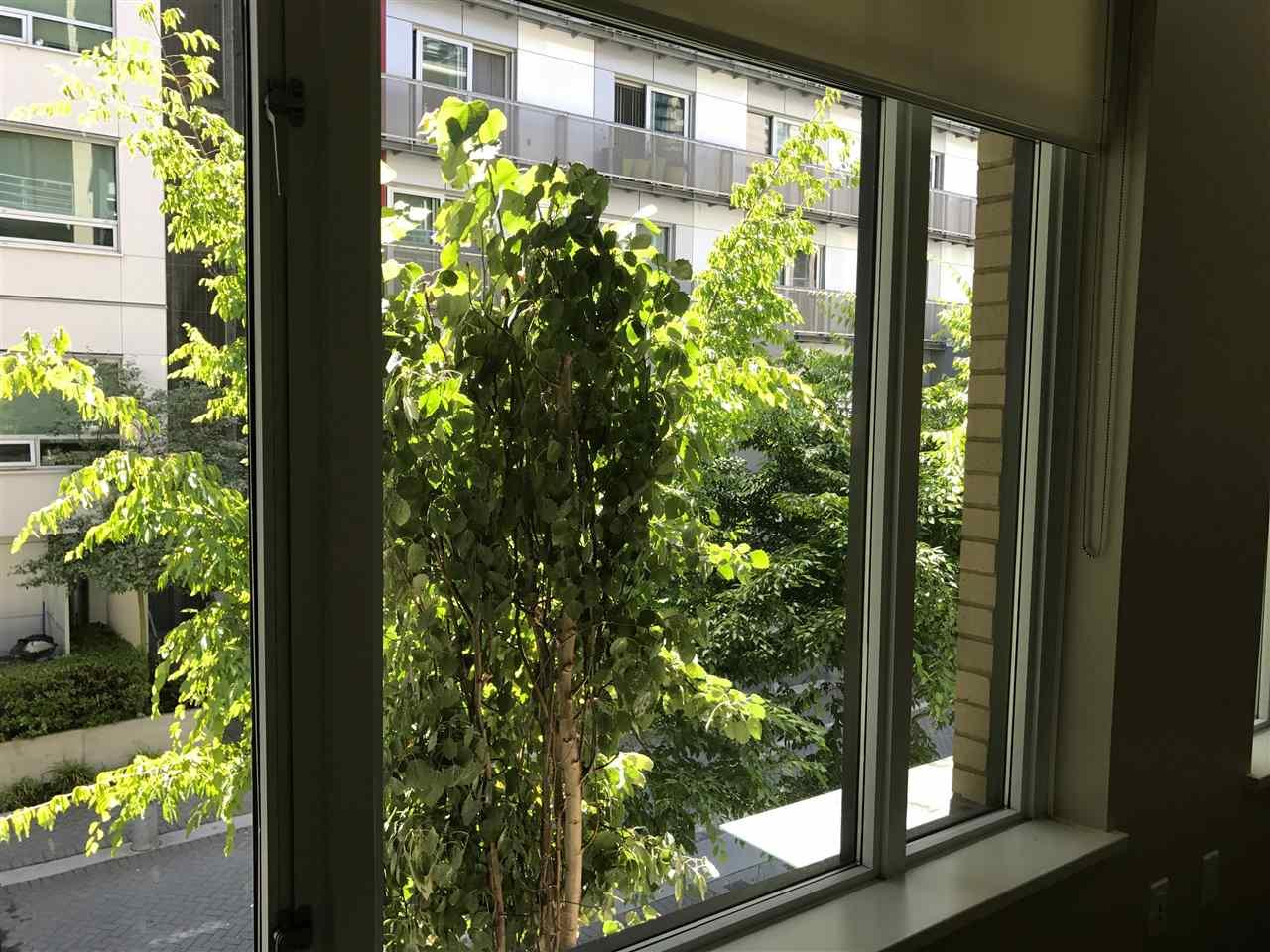 Condo Apartment at 21 77 WALTER HARDWICK AVENUE, Unit 21, Vancouver West, British Columbia. Image 12