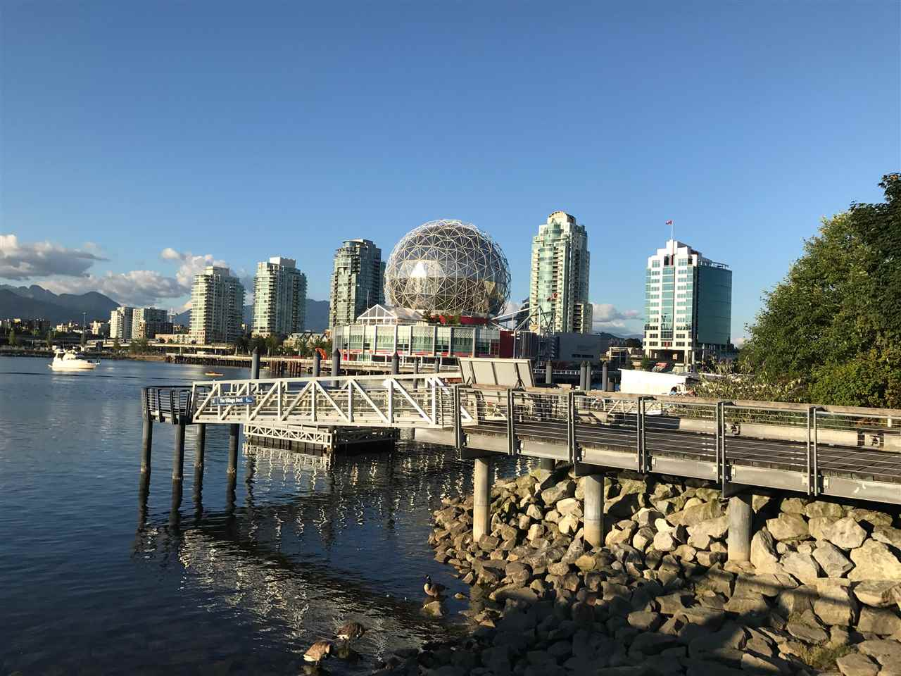 Condo Apartment at 21 77 WALTER HARDWICK AVENUE, Unit 21, Vancouver West, British Columbia. Image 18