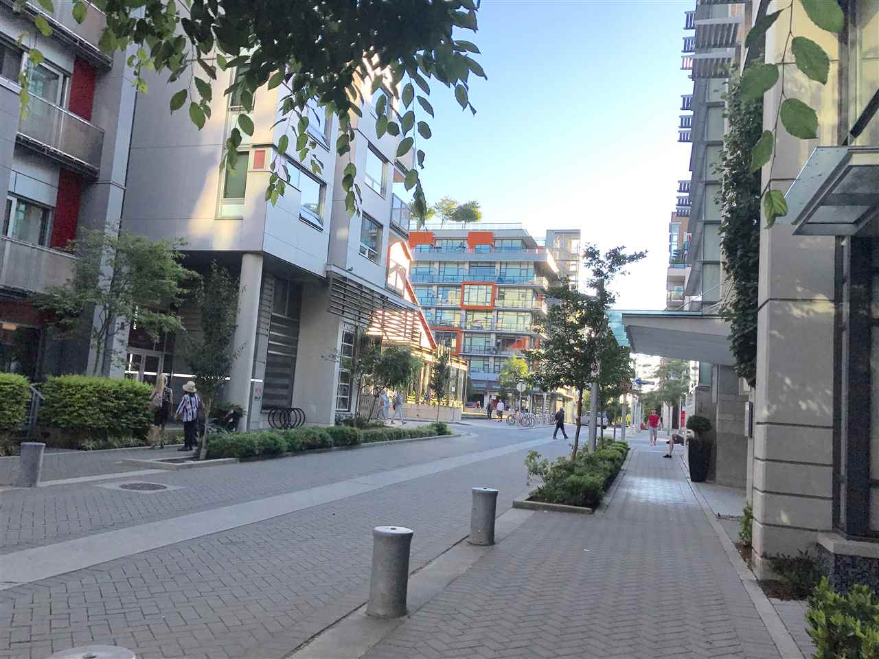 Condo Apartment at 21 77 WALTER HARDWICK AVENUE, Unit 21, Vancouver West, British Columbia. Image 19