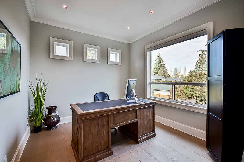 Detached at 16469 26B AVENUE, South Surrey White Rock, British Columbia. Image 3