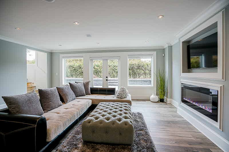 Detached at 16469 26B AVENUE, South Surrey White Rock, British Columbia. Image 16