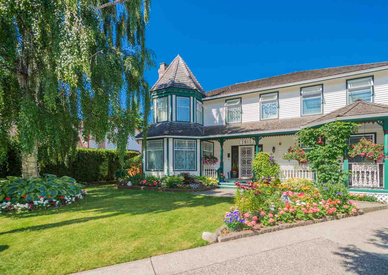 Detached at 1915 130A STREET, South Surrey White Rock, British Columbia. Image 1