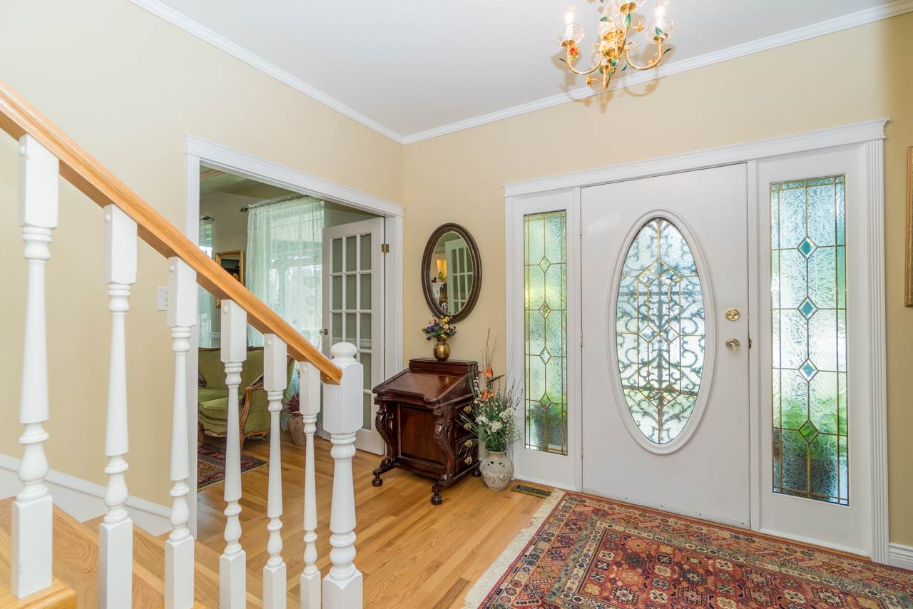 Detached at 1915 130A STREET, South Surrey White Rock, British Columbia. Image 4