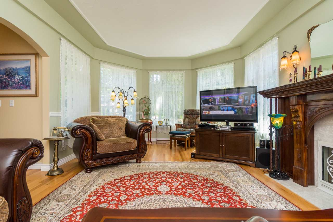 Detached at 1915 130A STREET, South Surrey White Rock, British Columbia. Image 8