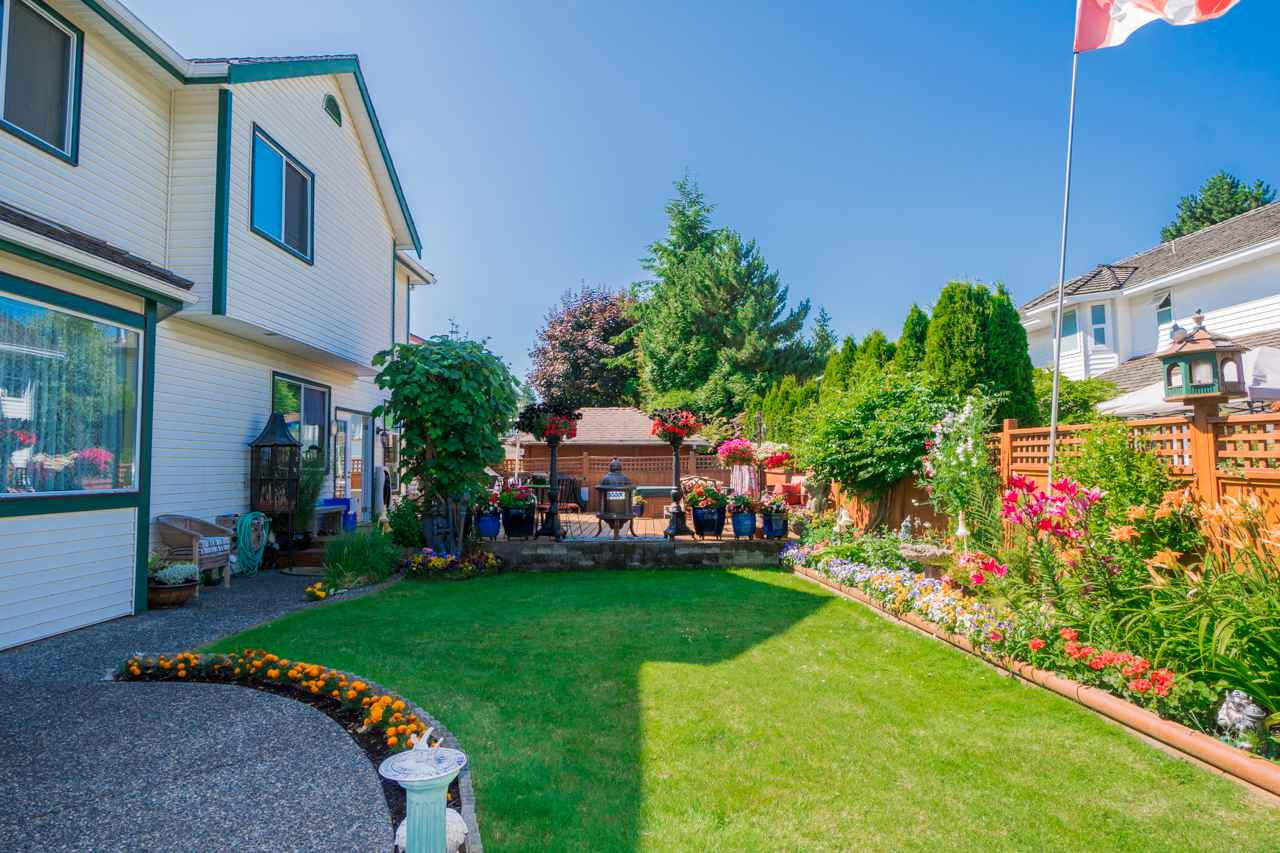 Detached at 1915 130A STREET, South Surrey White Rock, British Columbia. Image 17
