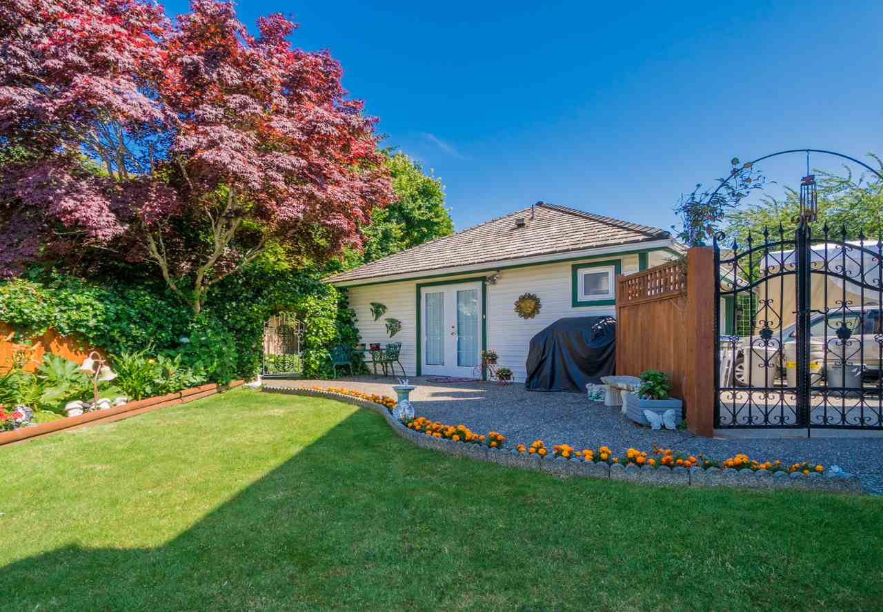 Detached at 1915 130A STREET, South Surrey White Rock, British Columbia. Image 20