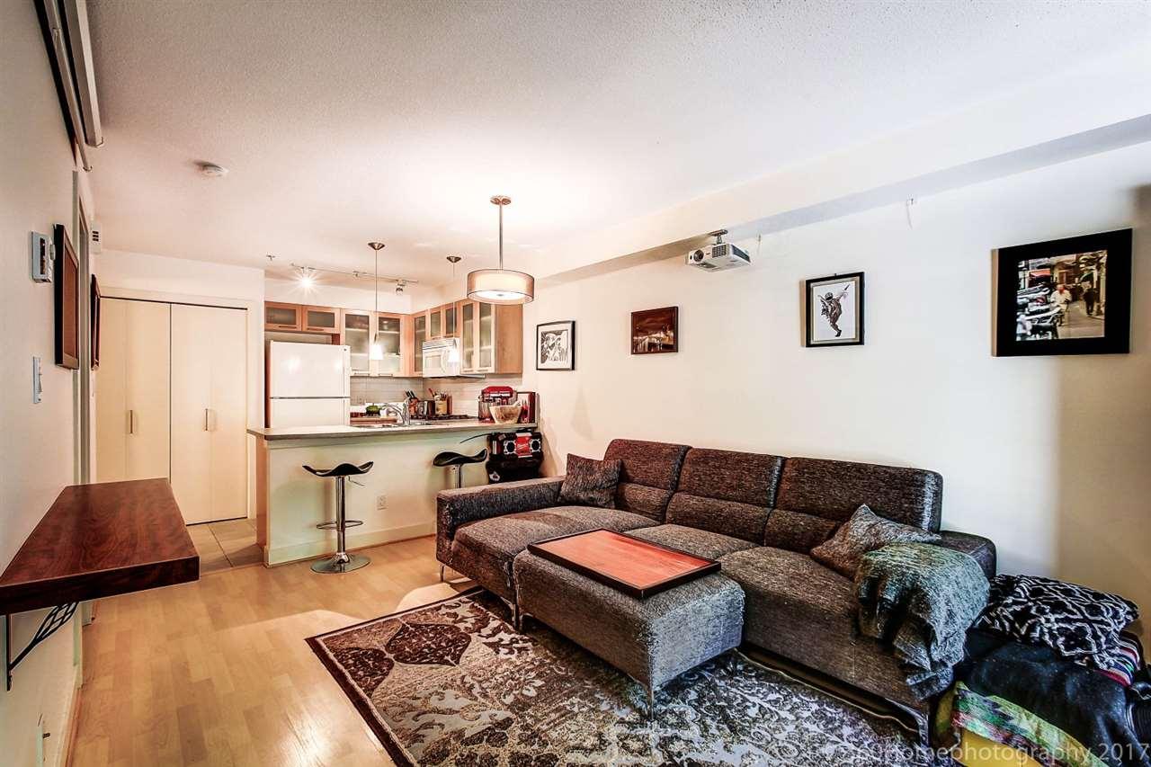 Condo Apartment at 17 9339 ALBERTA ROAD, Unit 17, Richmond, British Columbia. Image 4