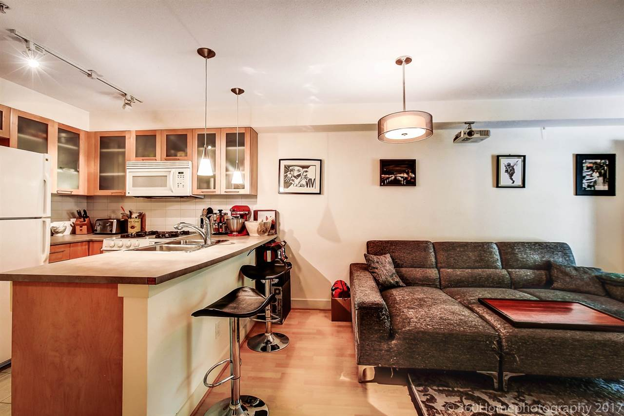 Condo Apartment at 17 9339 ALBERTA ROAD, Unit 17, Richmond, British Columbia. Image 5
