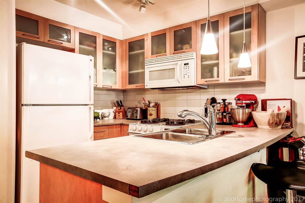Condo Apartment at 17 9339 ALBERTA ROAD, Unit 17, Richmond, British Columbia. Image 7