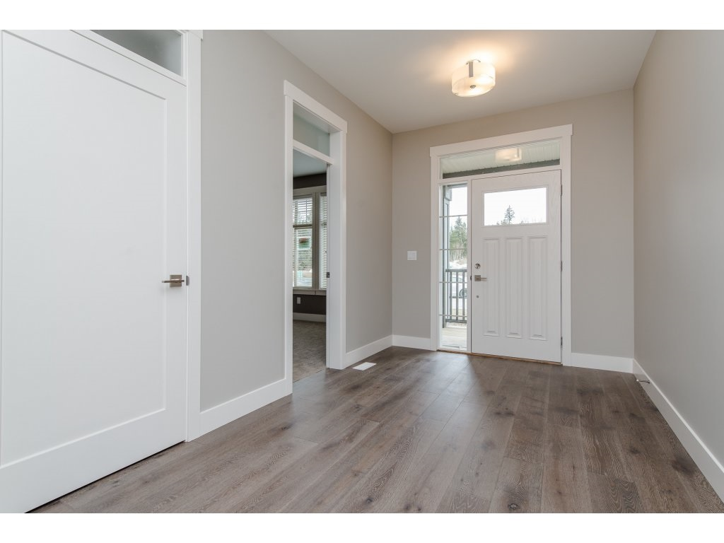 Detached at 35939 EMILY CARR CRESCENT, Abbotsford, British Columbia. Image 3