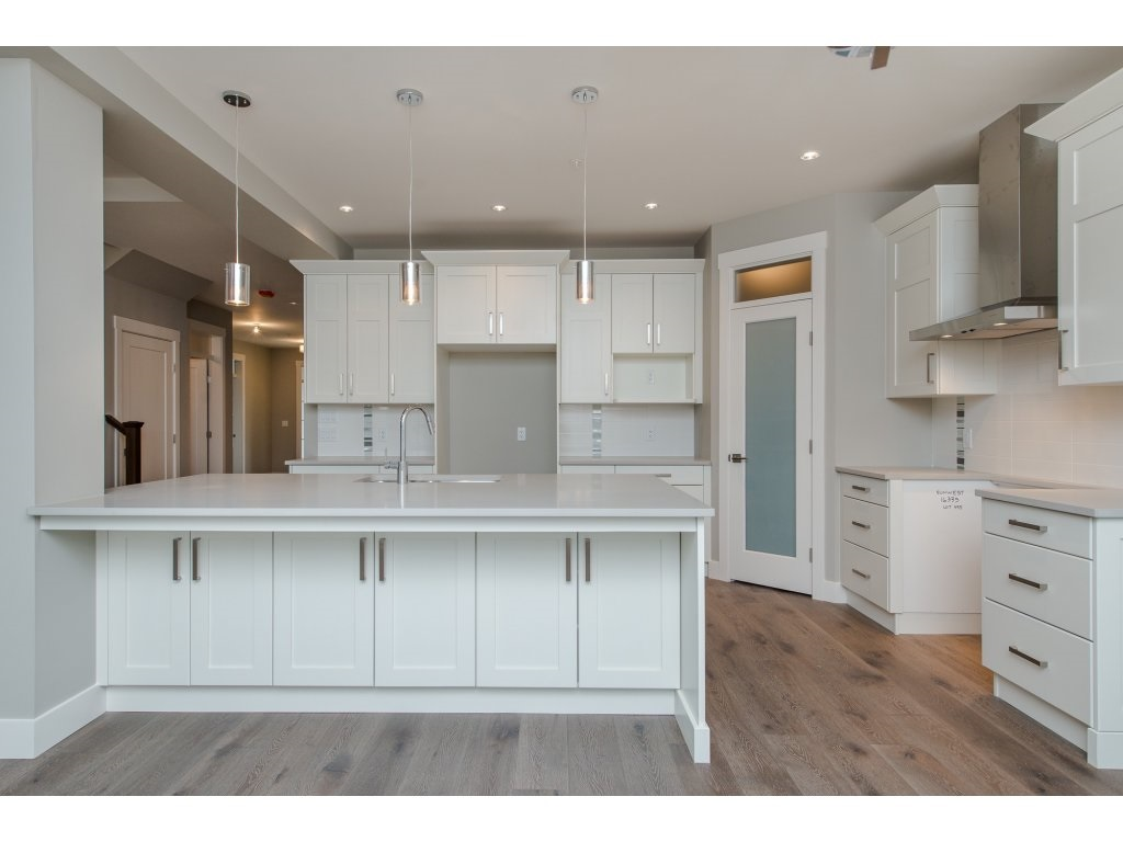 Detached at 35939 EMILY CARR CRESCENT, Abbotsford, British Columbia. Image 4