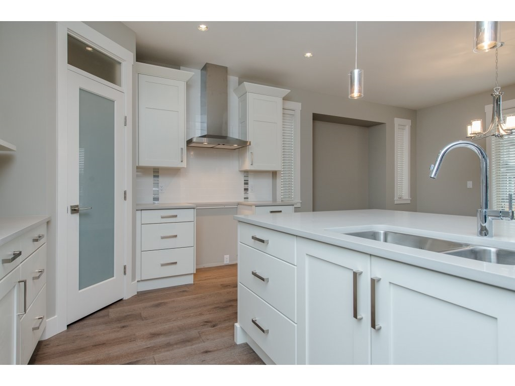 Detached at 35939 EMILY CARR CRESCENT, Abbotsford, British Columbia. Image 5