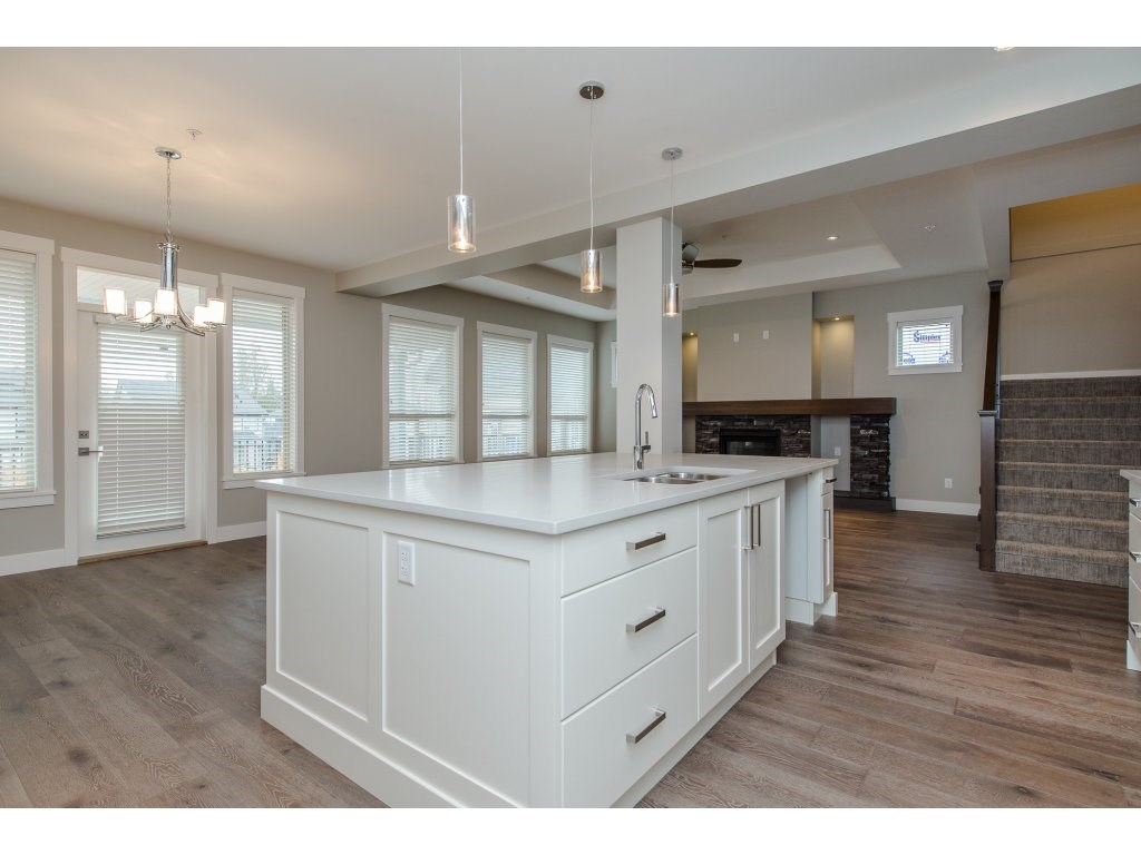 Detached at 35939 EMILY CARR CRESCENT, Abbotsford, British Columbia. Image 6