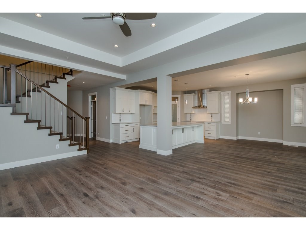 Detached at 35939 EMILY CARR CRESCENT, Abbotsford, British Columbia. Image 10