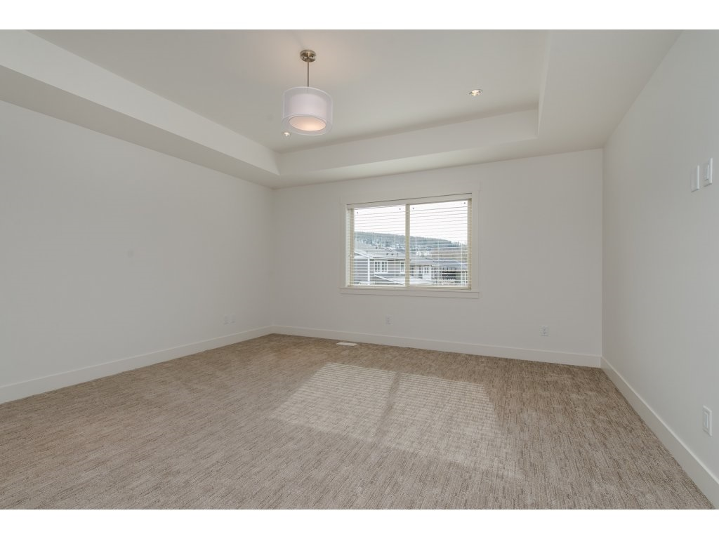 Detached at 35939 EMILY CARR CRESCENT, Abbotsford, British Columbia. Image 13