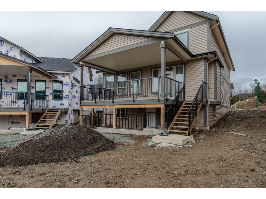 Detached at 35939 EMILY CARR CRESCENT, Abbotsford, British Columbia. Image 19