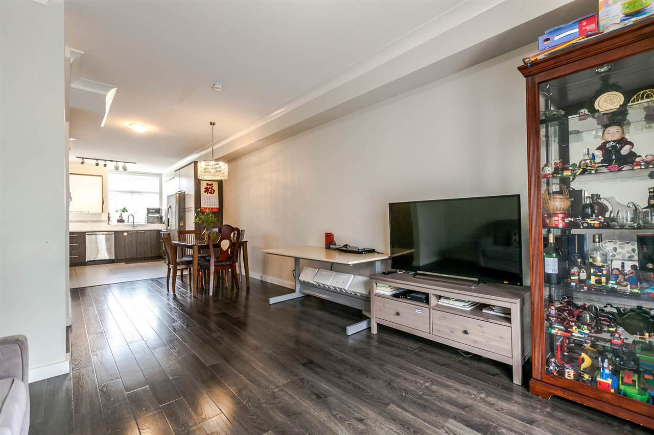 Townhouse at 507 7533 GILLEY AVENUE, Unit 507, Burnaby South, British Columbia. Image 4