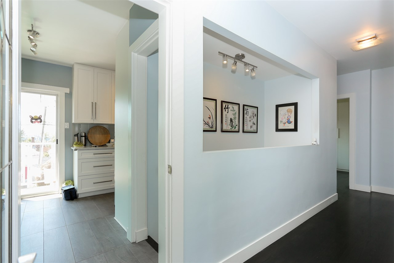 Detached at 4836 BRENTLAWN DRIVE, Burnaby North, British Columbia. Image 13